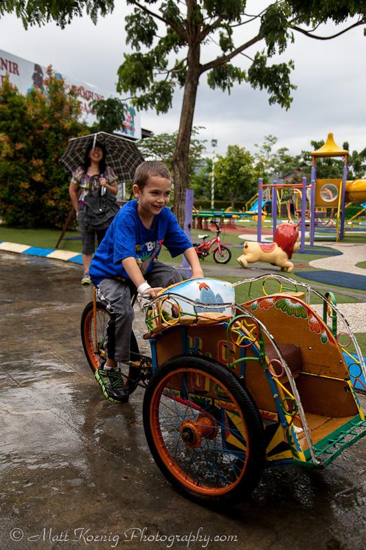 Driving  becak at Kampung Gajah Wonderland
